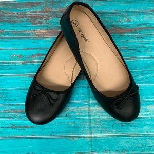 Cat & Jack Black Ballet Flats sz 5